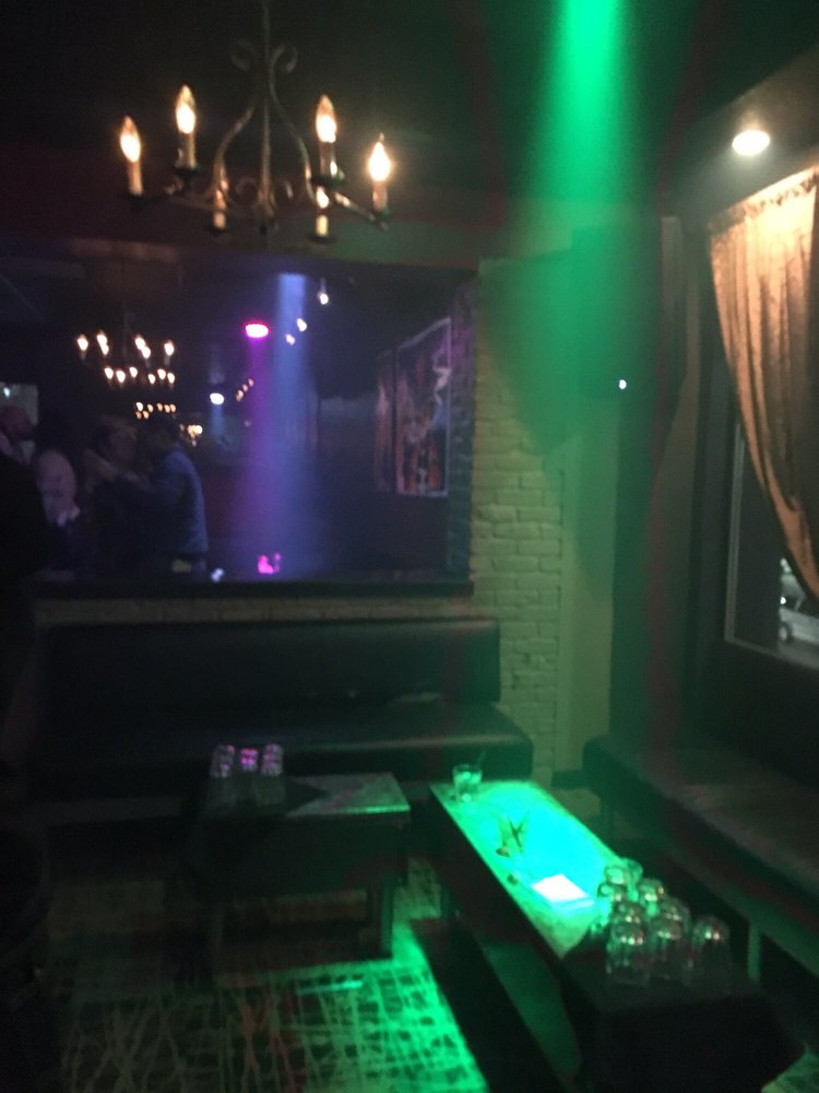 Voodoo Lounge: 208 3rd St, Des Moines, IA