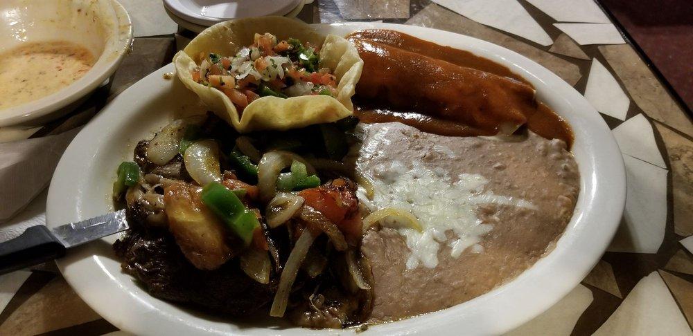 El Azteca: 1345 Bellefontaine St, Wapakoneta, OH