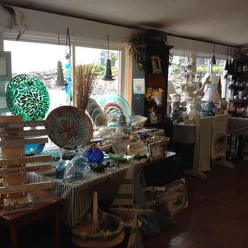 Blue Willow Gift Shop & Antiques - Gift Shops - 119 Perkins Cove ...