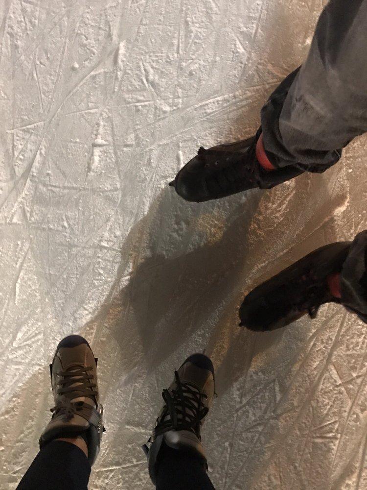 Fourth Bluff Ice Rink: 51 N Riverside Blvd, Memphis, TN