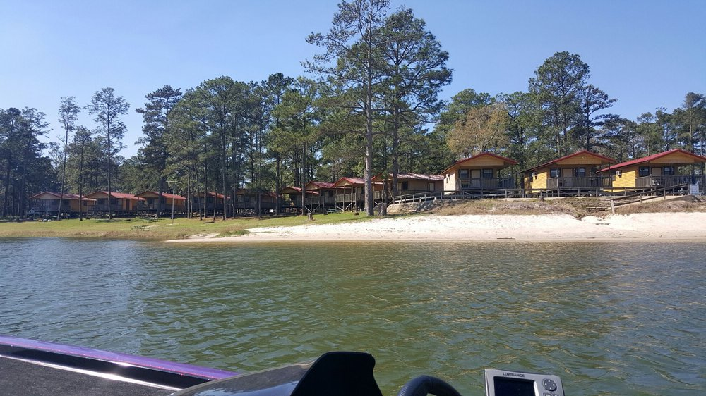 Sam Rayburn Marina Resort: 4404 W Recreational Rd 255, Brookeland, TX