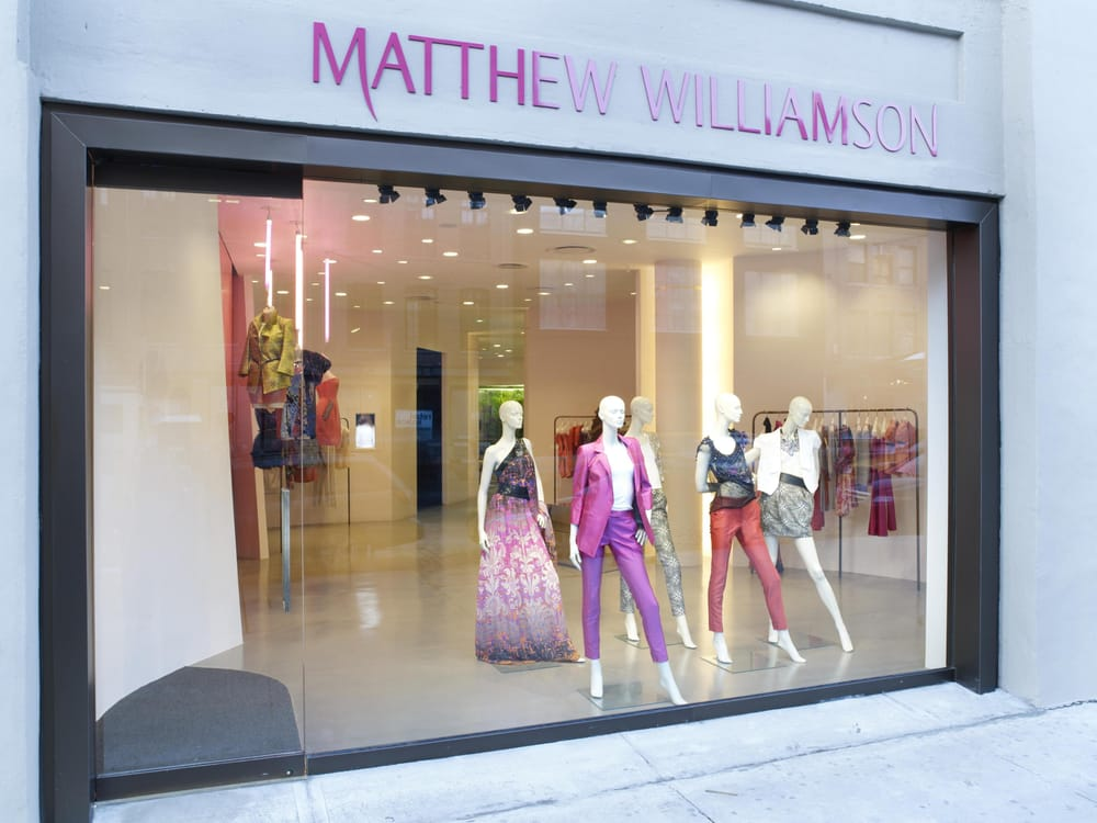 Matthew Williamson Famed for his feel-good dresses and prints, it was Matthew Williamson's passion for travel that inspired him to become a designer. Sold exclusively on NET-A-PORTER, the Central Saint Martins graduate's vivacious embroidered and bead-embellished creations are .