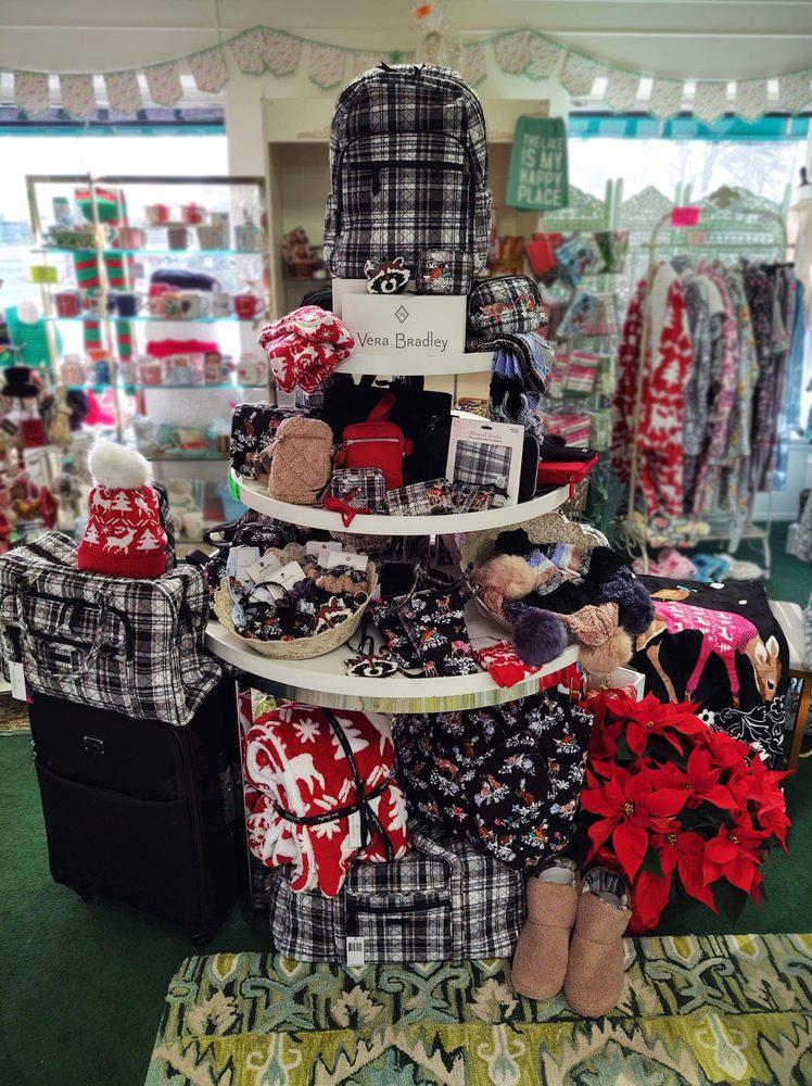 Shopaholic: 12235 S Saginaw St, Grand Blanc, MI