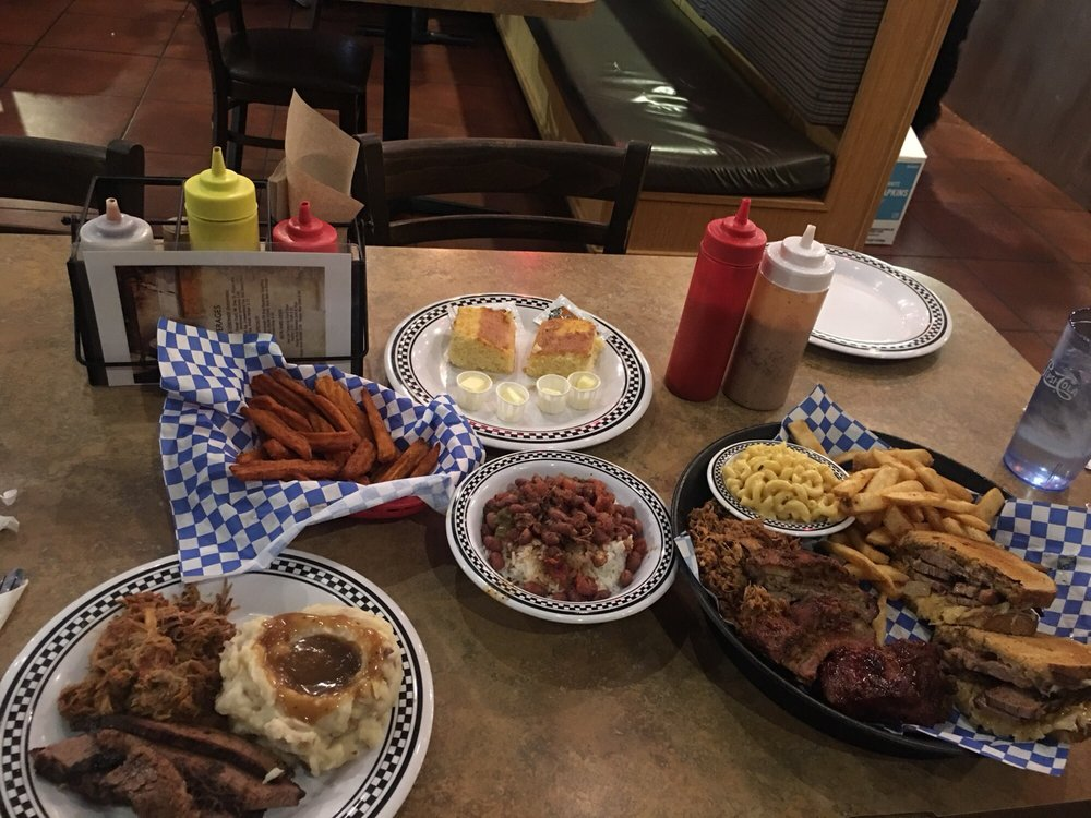 Hog Wild BBQ: 9226 SE 82nd Ave, Happy Valley, OR