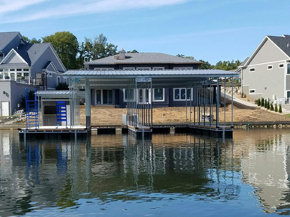 Rough Water Docks: 55 Rough Water Dr, Sunrise Beach, MO