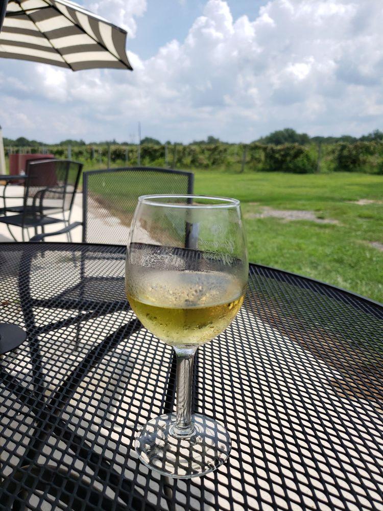 Cedarvale Winery: 205 Repaupo Station Rd, Swedesboro, NJ