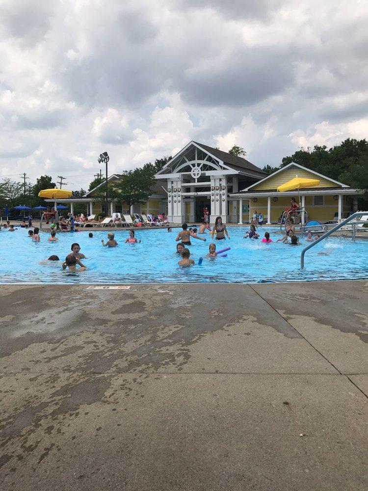 Montgomery Municipal Pool: 8075 Hopewell Rd, Cincinnati, OH