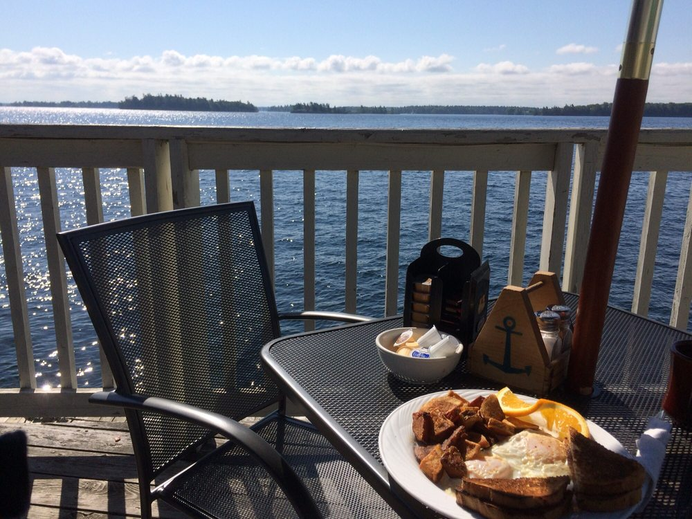 Island View Restaurant: 23 Front Street, Rockport, ON