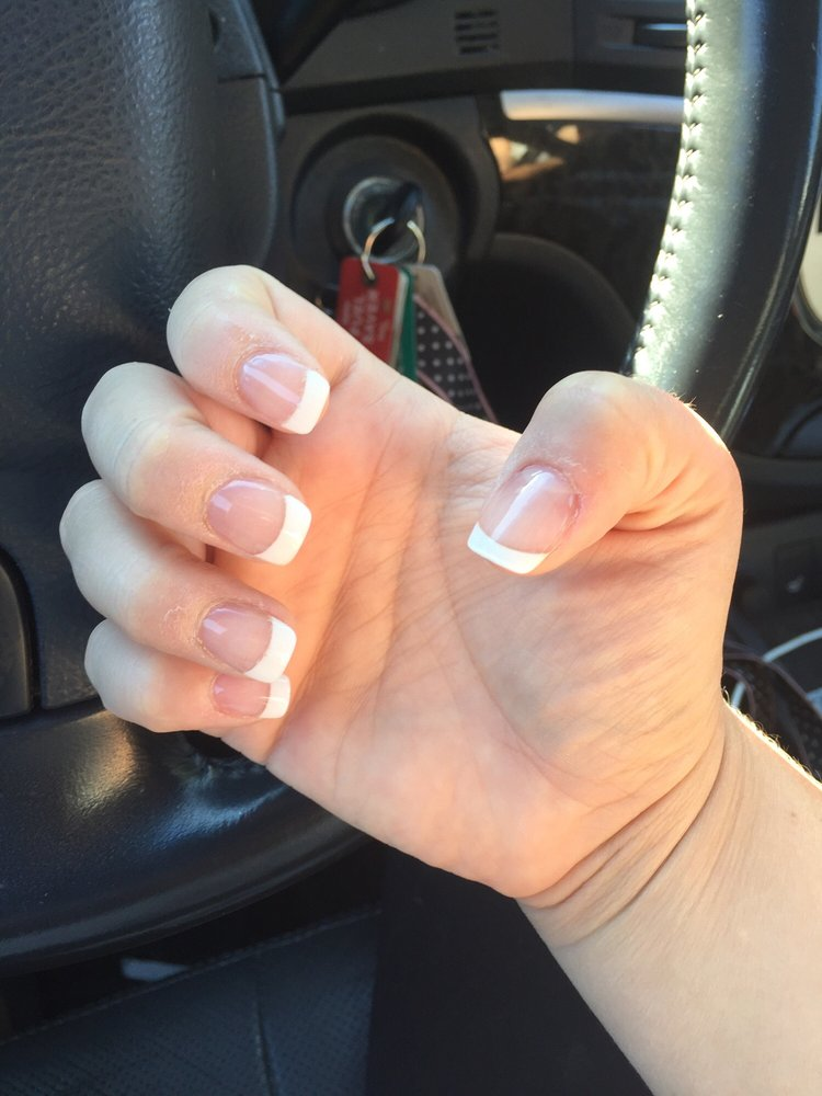 Nail 2 O: 1515 S 12th St, Quincy, IL