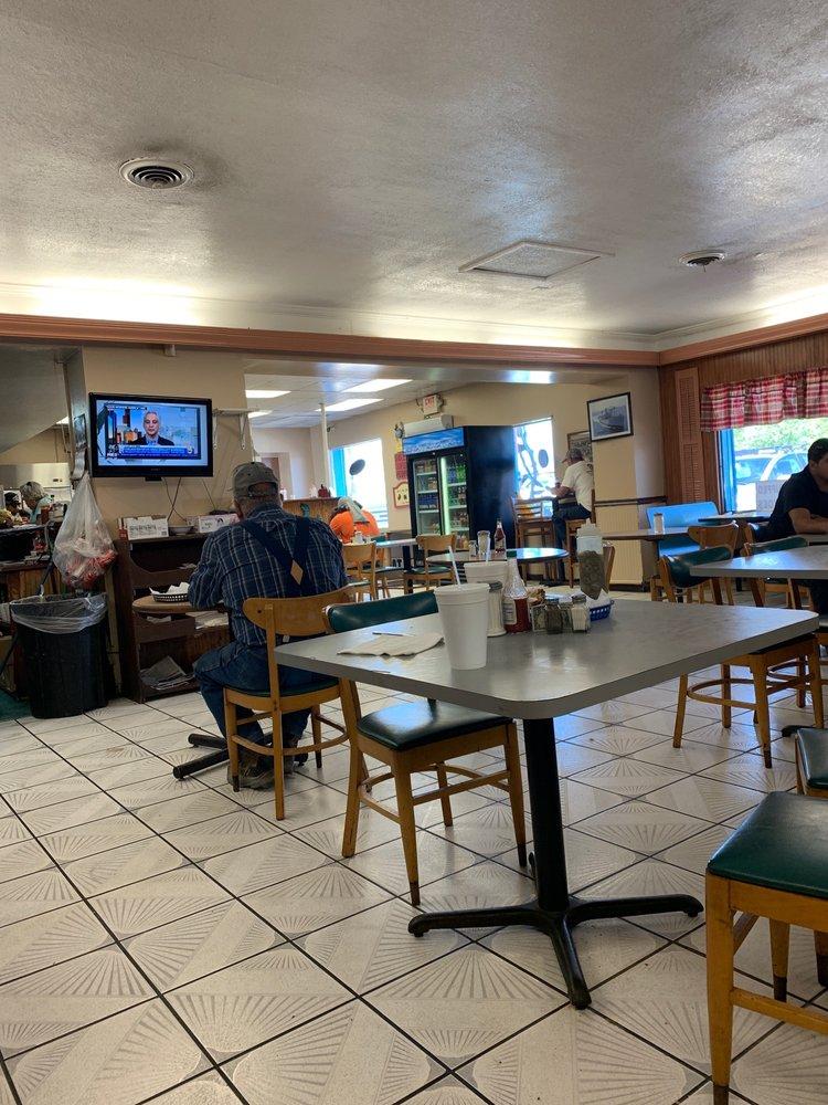 Harborside Grill: 4103 Causeway Blvd, Tampa, FL