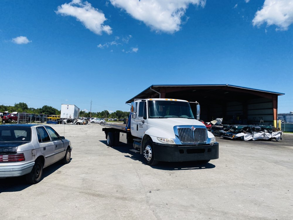 Towing business in Town'n' Country, FL