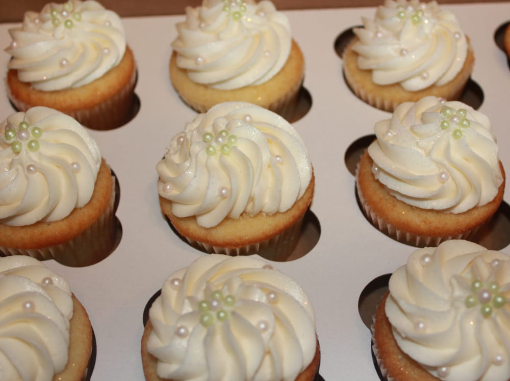 photo of buttercream cupcakes kailua kona hi united states bridal shower