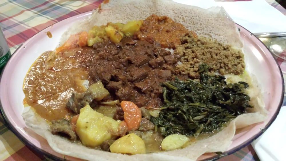Piatto tipico etiope base come una specie di piadina for Mangiare tipico a roma