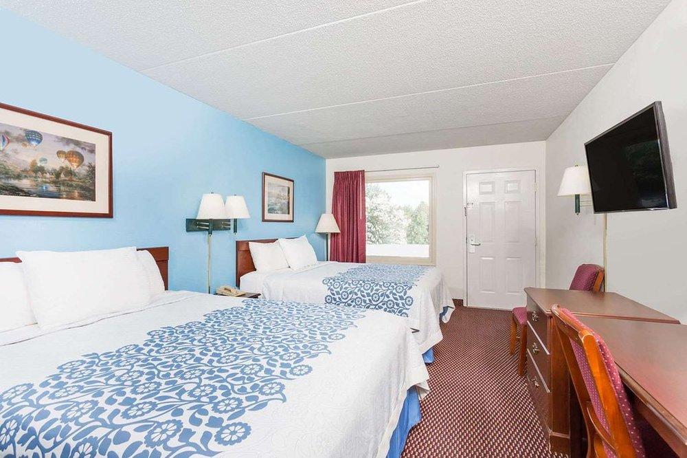 Hamilton Inn: 1540 NC 67 HWY, Jonesville, NC