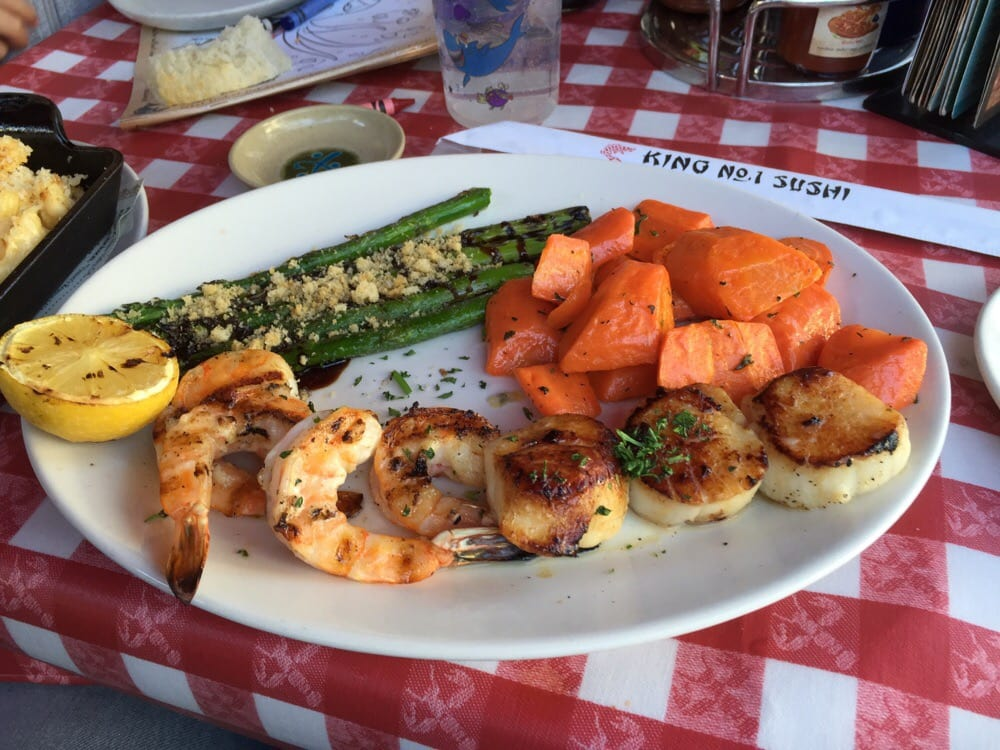 Scallops shrimp asparagus carrots yelp for King s fish house long beach ca