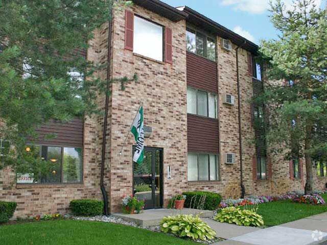 Clearview Apartments: 101 W Twinbrook Dr, Dewitt, MI