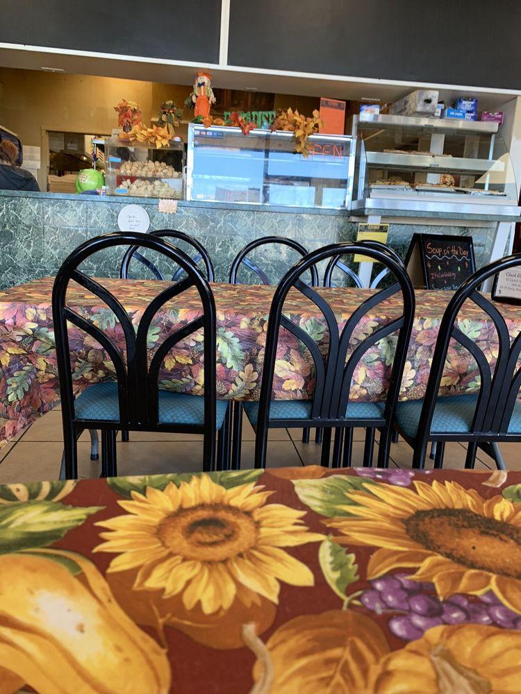 Il Paradiso Pizza & Restaurant: 110 Shoprite Blvd, Ellenville, NY