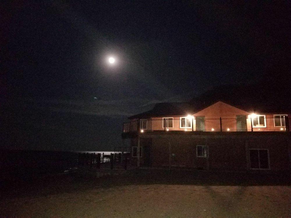 Crystal Sands Beach Resort: 1238 N Huron Rd, Tawas City, MI