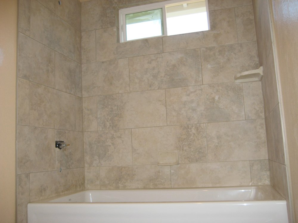 Tile Installation Escondido Ca 12x24 Porcelain Tile Walls Staggered Joints Soap Dish Shapoo