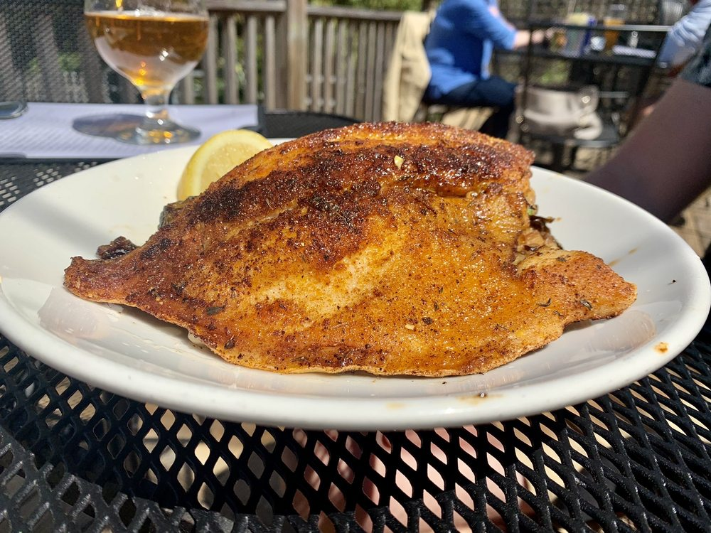 Luna's Eat & Drink: 25689 Canal Rd, Orange Beach, AL