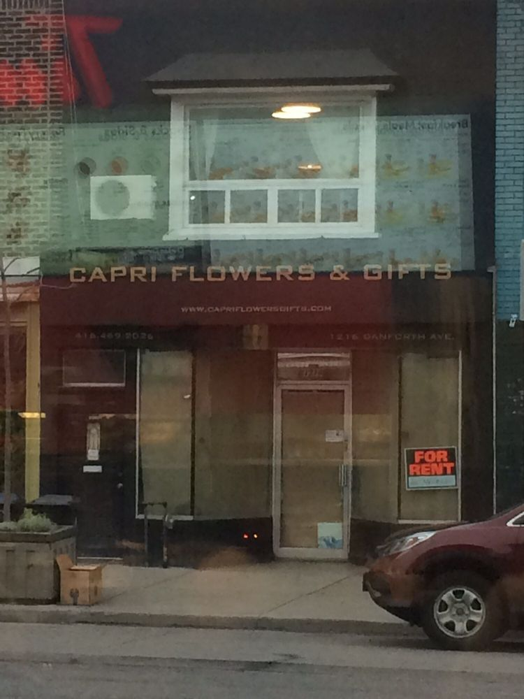 Capri Flowers & Gifts