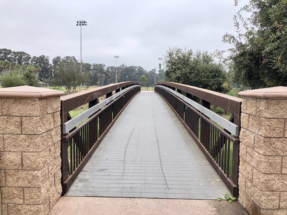 College Park: 3250 S Rose Ave, Oxnard, CA