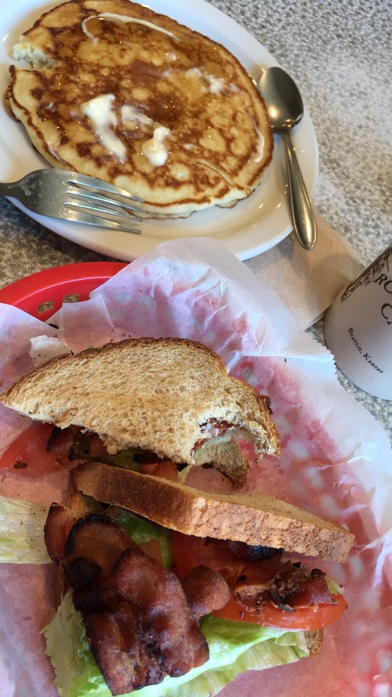 Beattie Cafe: 713 Main St, Beattie, KS