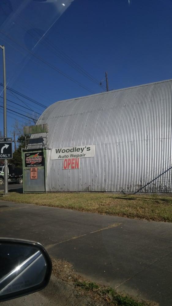 Woodley's Auto Repair Shop