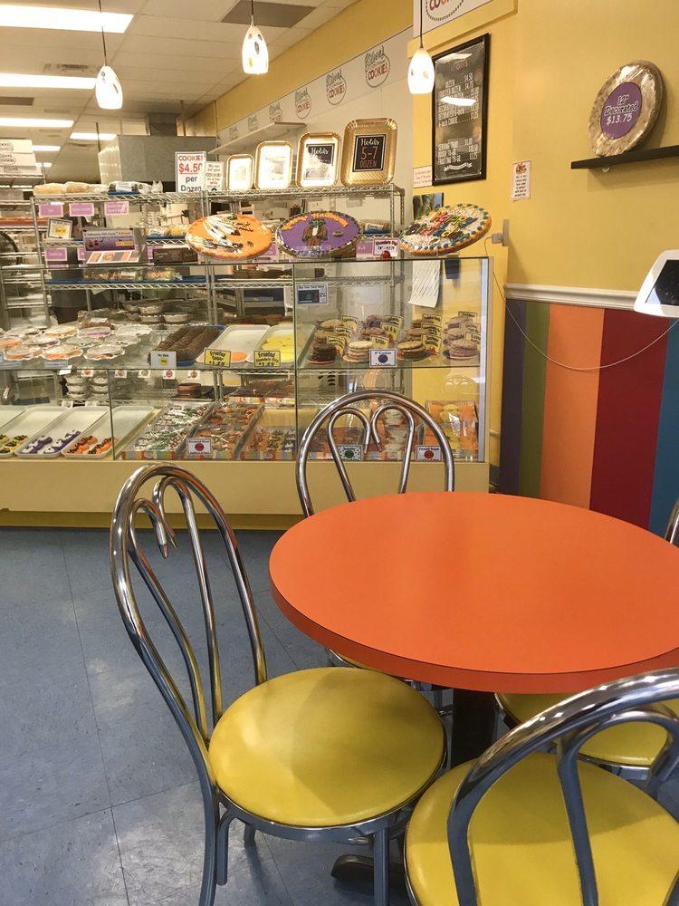 Eileen's Colossal Cookies: 730 W. 2nd Street, Hastings, NE