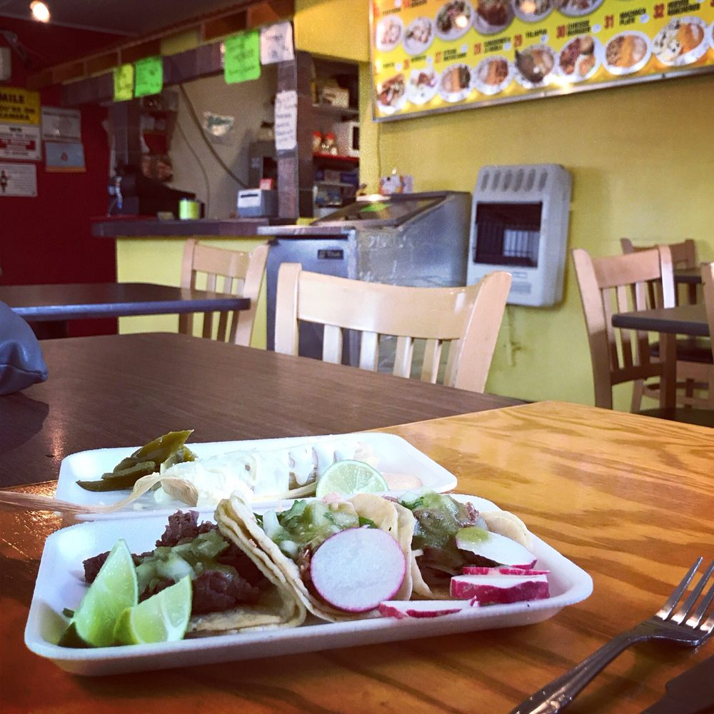 Antojitos Mexicanos: 11516 N E Sandy Blvd, Portland, OR
