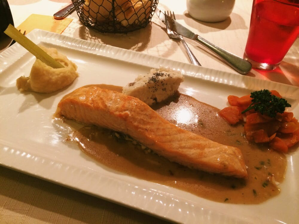 Salmon with parsnip mash mushroom risotto and carrots yelp - Restaurant fleur de sel port en bessin ...