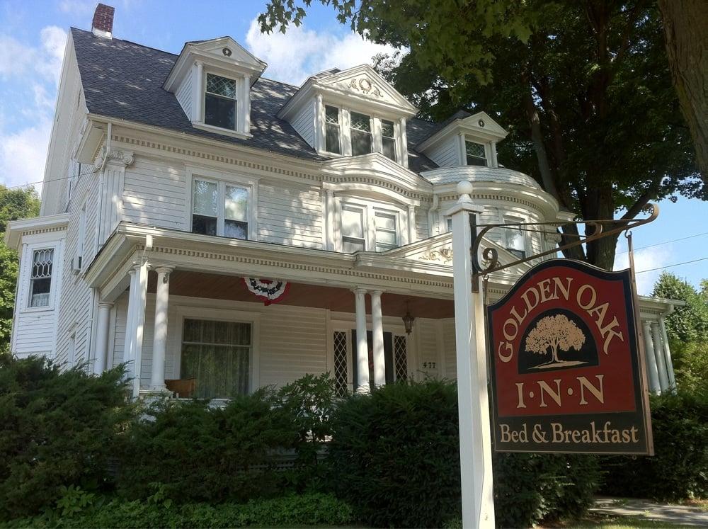 The Golden Oak Inn Bed & Breakfast: 477 Canton St, Troy, PA