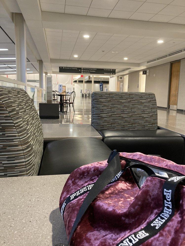 Tulsa International Airport: 7777 Airport Dr, Tulsa, OK
