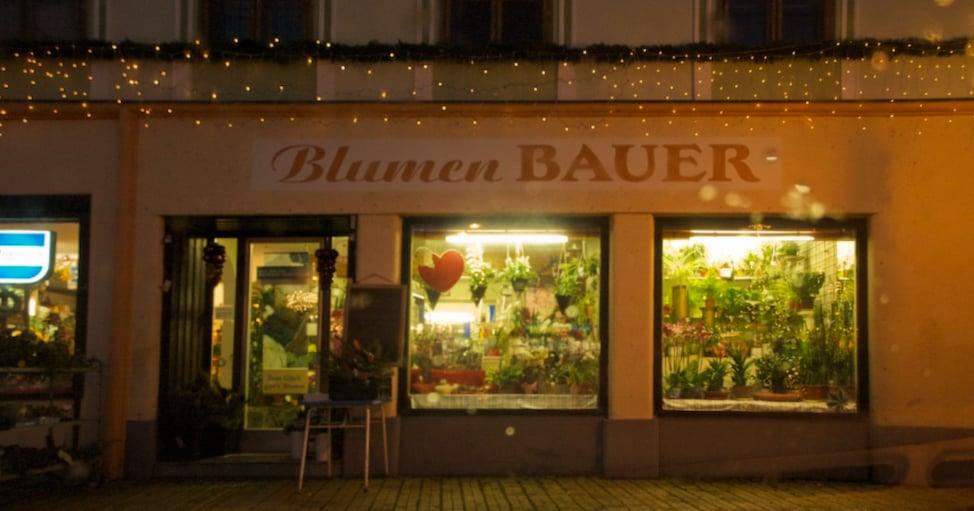 bauer blumen blumenladen florist hauptplatz 4 hollabrunn nieder sterreich. Black Bedroom Furniture Sets. Home Design Ideas