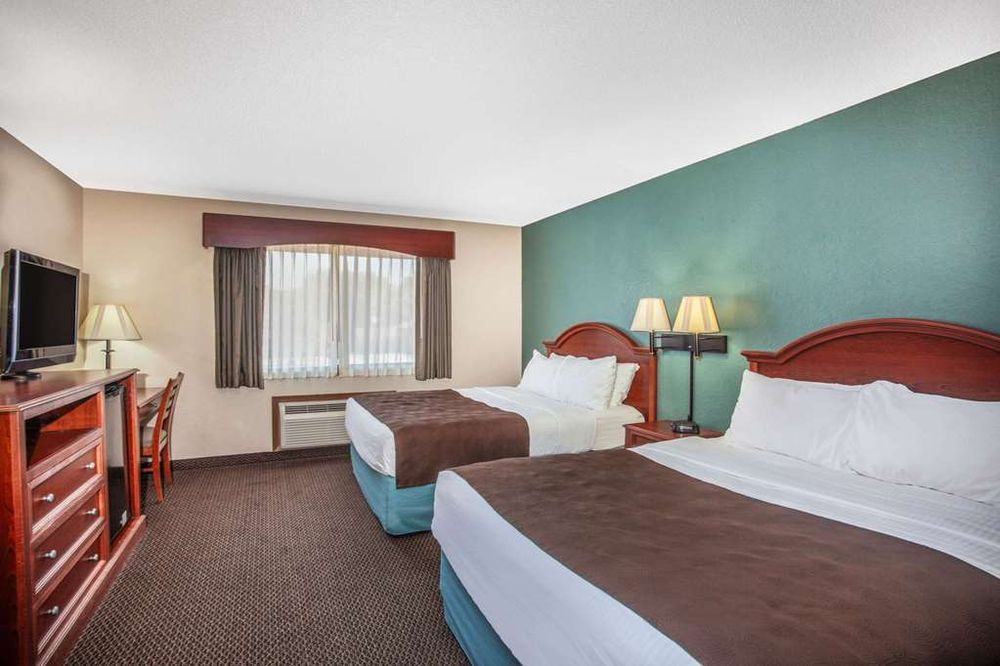 AmericInn by Wyndham St Peter: 700 N Minnesota Ave, Saint Peter, MN