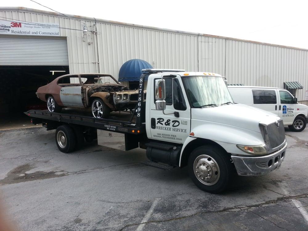 R & D Wrecker Service: Hixson, TN