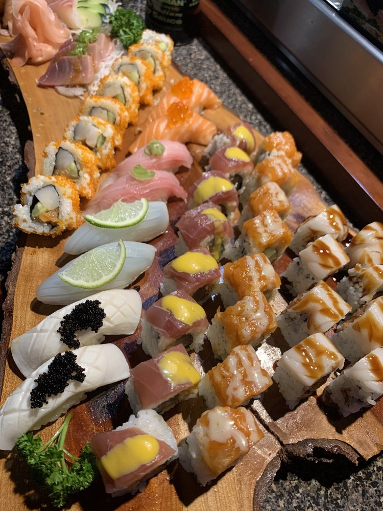 Domo Japanese Hibachi Grill: 215 N Green River Rd, Evansville, IN