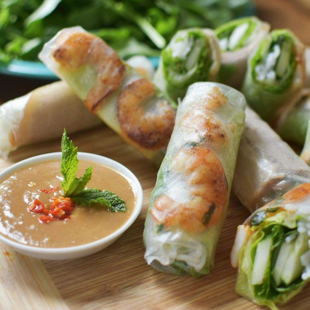 Rose's Spring Rolls: 230 US-1 Byp, Kittery, ME