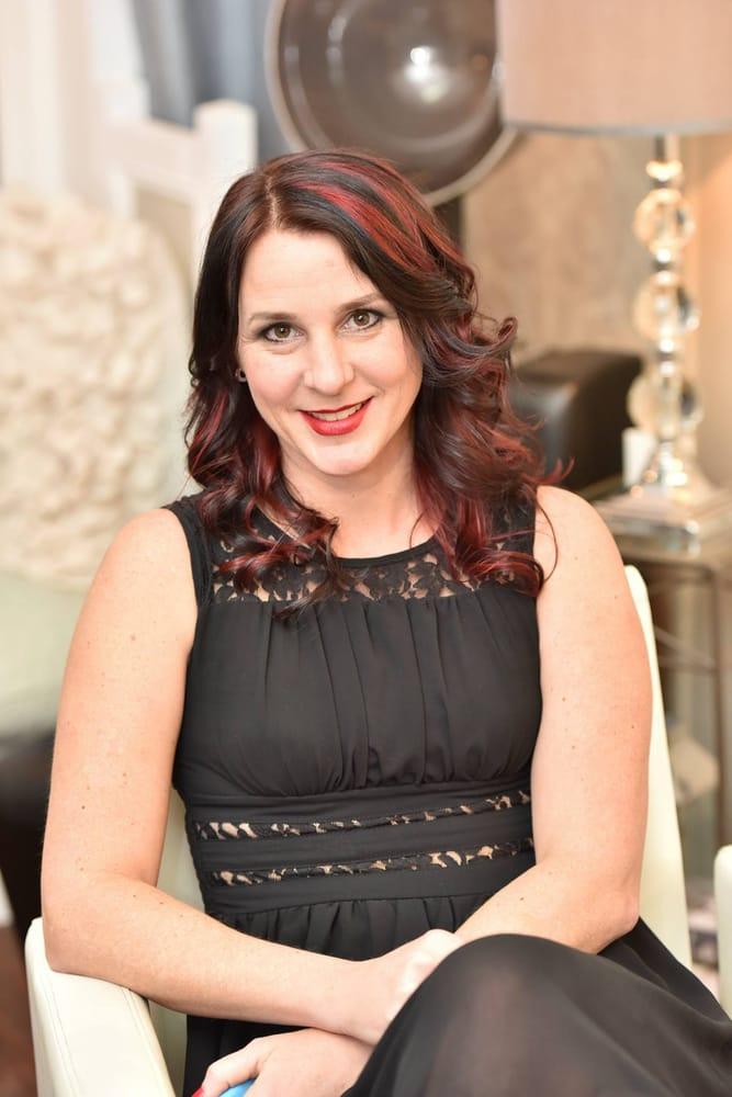 Pretentious hair 16 photos coiffeurs salons de for Samantha oups au salon de coiffure