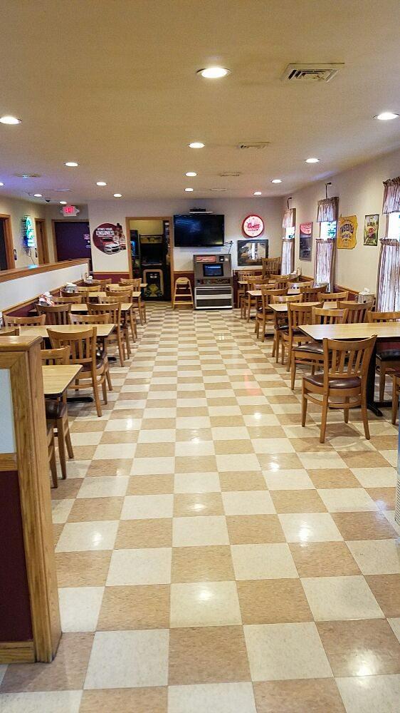Fox's Pizza Den: 2608 Portage St, Portage, PA