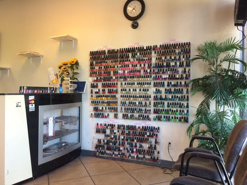 Nail polish center. Not the best of brands but I never have problems ...