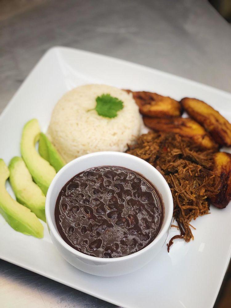Chamos's Latin Food: 559 Inman Ave, Woodbridge Township, NJ