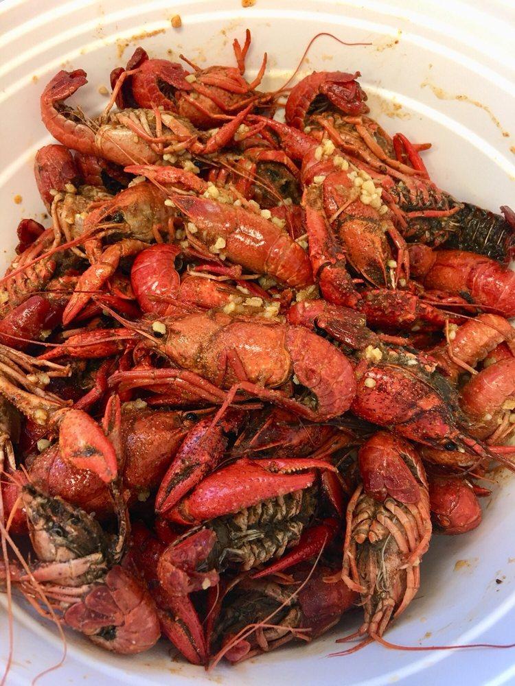 Bayou Cajun Seafood, Po'boys & Pho: 6705 Pine Forest Rd, Pensacola, FL