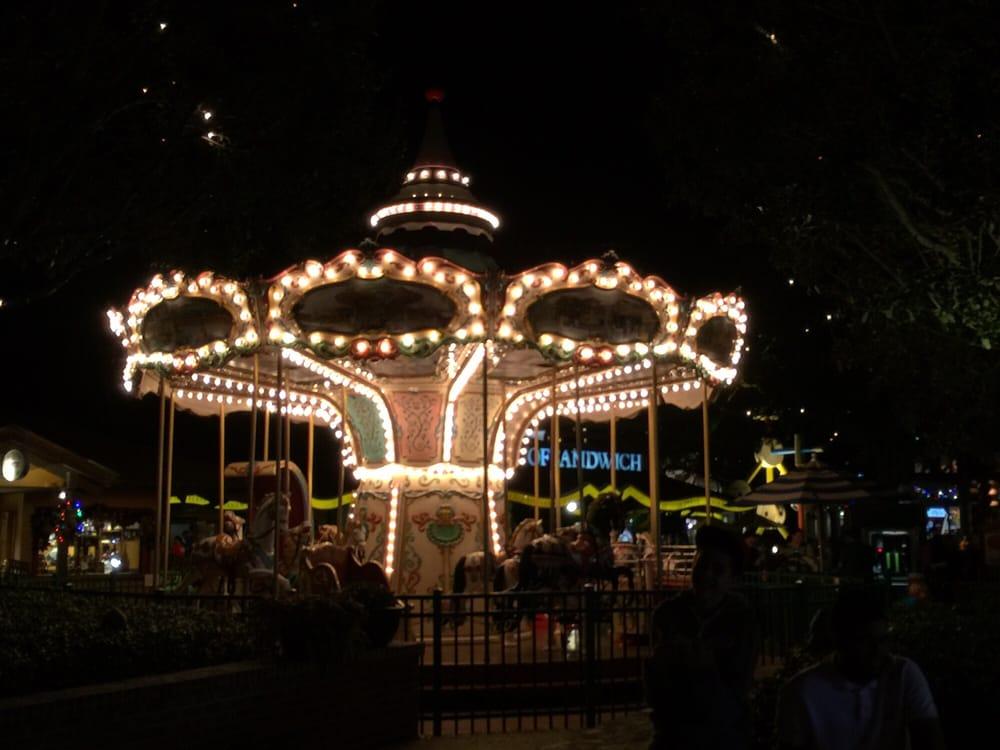 Downtown Disney Bus Stop Marketplace