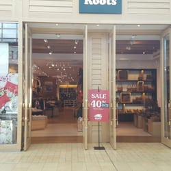 Roots yorkdale leather goods 3401 dufferin streeet toronto photo of roots yorkdale toronto on canada ccuart Images