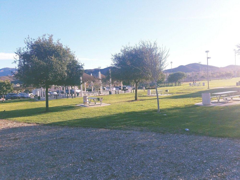 Dos Vientos  Community Park: 4801 Borchard Rd, Thousand Oaks, CA