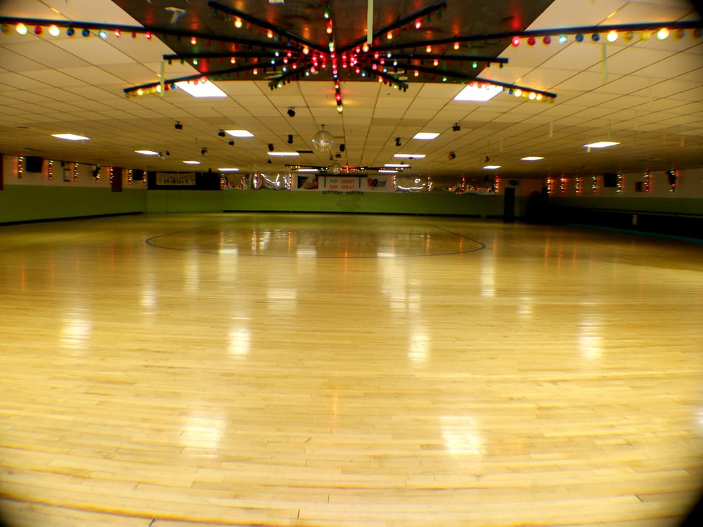 Roller Haven Fun Center: 1640 US Hwy 22 NW, Washington Ct House, OH