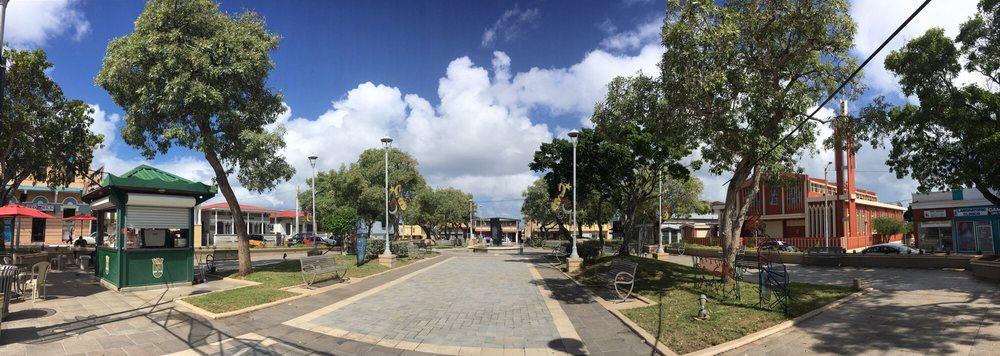 Plaza de Camuy: Av. Luis Munoz Rivera S/N, Camuy, PR