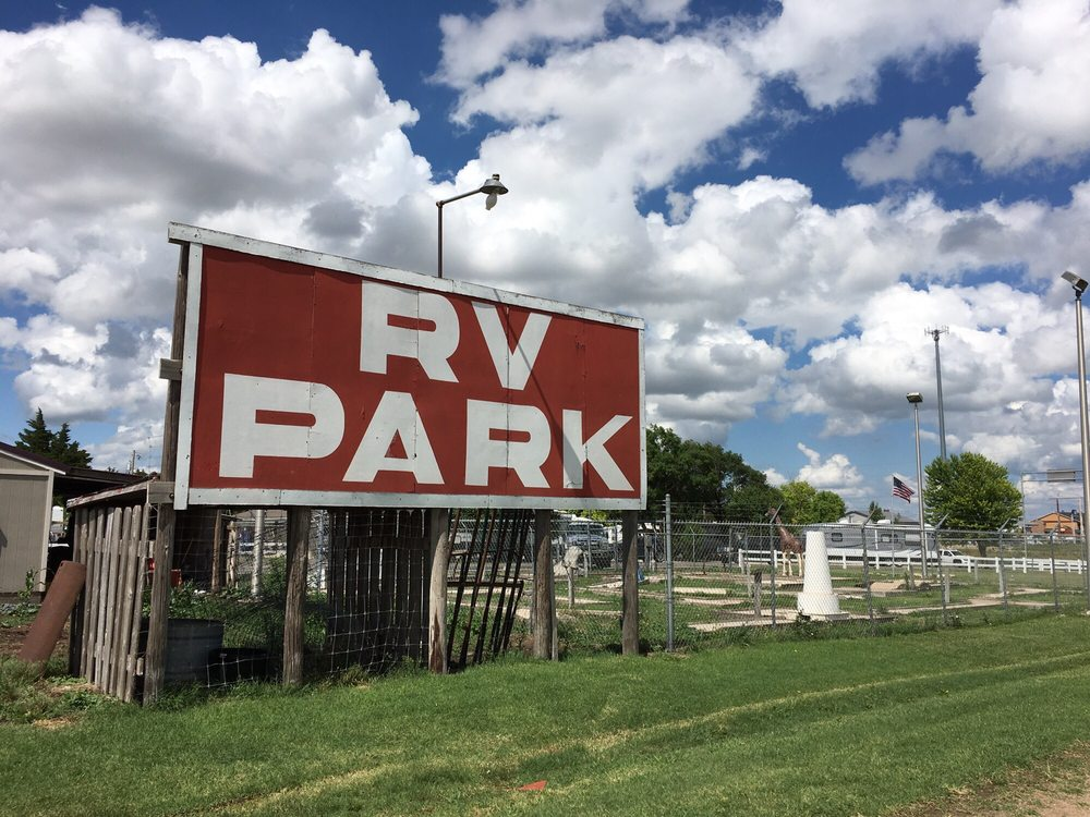 Triple J Rv Park: 187 E Edward Ave, Russell, KS