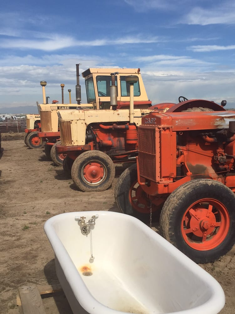 Linnebur Auctions: 670 S Tenney St, Byers, CO
